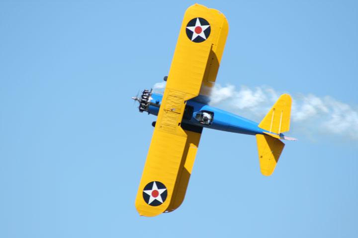 https://www.warbirdsandairshows.com/images/airshows%202008/Pensacola%202008/pt-17-mohr-107w-1.jpg